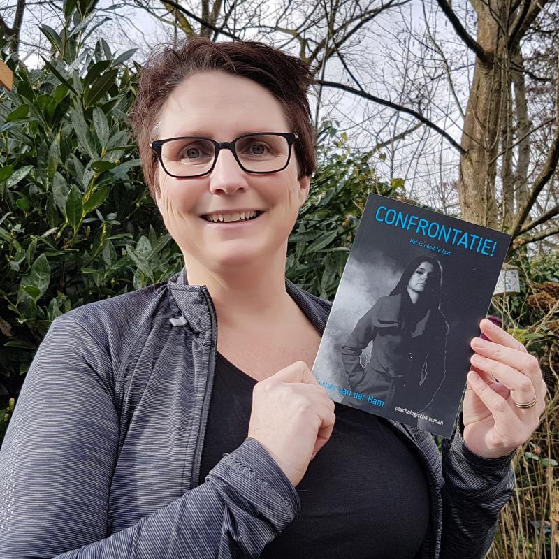 Derde roman Confrontatie! van Bredase Esther van der Ham