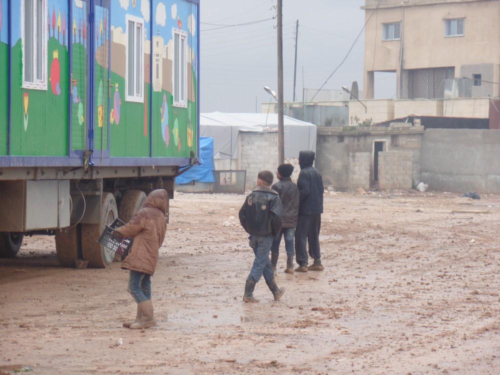 schoolcontainers in vluchtelingenkamp